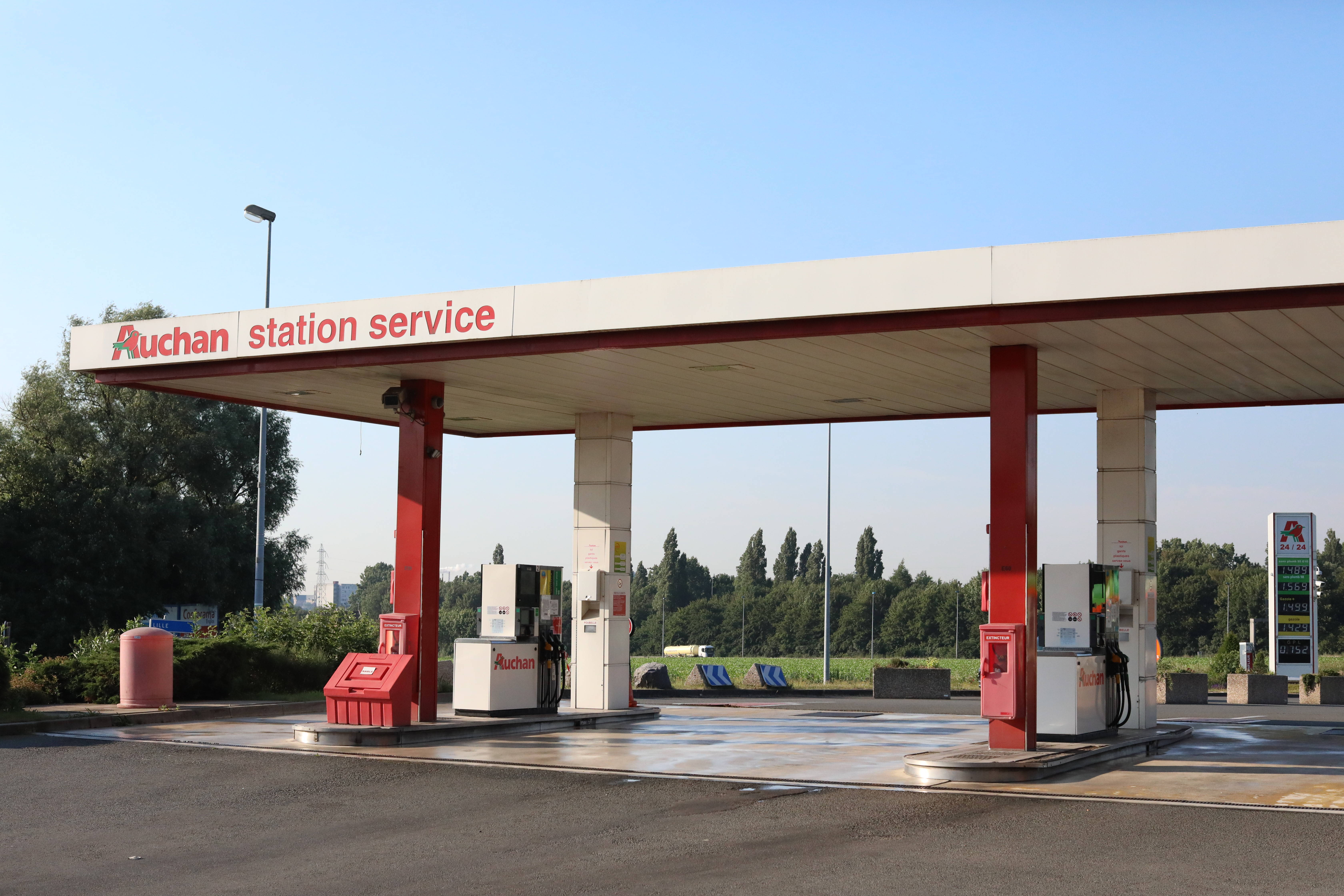 Station service Auchan Englos